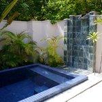 beach bungalow plunge pool