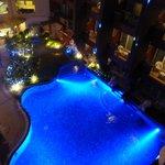 éclairages de la piscine de nuit