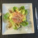 deliciosa ensalada de cogollos con sesamo negroy algas