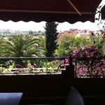 La vue de la terrasse de la reception