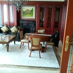 Presidential suite - English lounge area