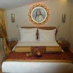Gorgeous Zeynep Sultan suite