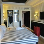 Room 706 (superior room)