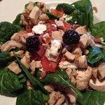 blackberry spinach salad with chicken