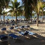 praia do hotel, às 8 da manhã