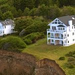 The Spyglass Inn at Shelter Cove