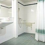ICH Schwerin Rooms handicapped accessible bathroom