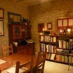 Le Calabash books corner