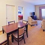 CountryInn&Suites Midland Suite