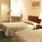 Vintage Lakeside Resort DDGuestroom
