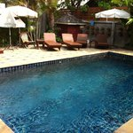Bury Gallery House Chiang Mai - Swimming Pool