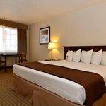 Magnuson Hotel Adobe Holbrook King Bed