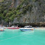 Speedboat trip to Phi Phi island