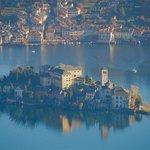 Isola S. Giulio e Orta visti dal Santuario