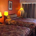 Super Inn Hotel Dallas Room
