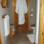 TreeTop Suite bathroom