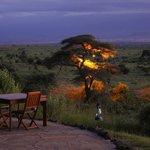Nocny widok z restauracji na Kilimandżaro