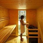 hauseigenene Sauna mit Indoor Kneippbecken