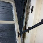 rotten windows room no 6