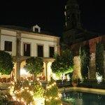 Swimming pool (night)