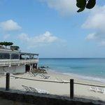 Grand Beach Case Club Cafe/Beach area