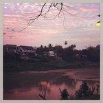 photo de la vue depuis le jardin le soir