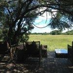 Main Lodge Terasse with view on the savana
