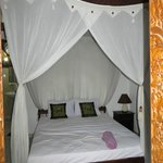 This is the lovely bed I had!