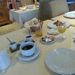 Le petit déjeuner.
