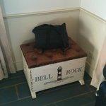 Truhe für Gepäck, die sich öffnen lässt