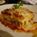 Heerlijke lasagne in het Italiaanse restaurant