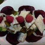 salade de harend, betterave et framboises