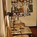 Paris room