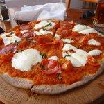 La Tscana Pizza Caprese