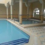 très bonne piscine couverte, on en a bien profité
