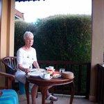 ontbijt op het balkon...