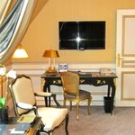 Large flat screen tv (I loved coming back to the room each night..the weather