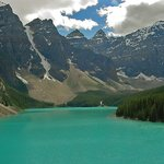 A gorgeous view of Moraine Lake from the Rock Pile