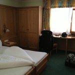 chambre avec beaucoup de rangement et propreté exemplaire!