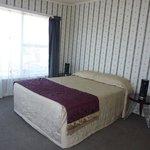 5 bedroom house bedroom