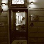 Fachada del Hotel Santa Croce
