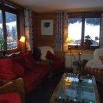 le coin salon ...avec la cheminée....cosy .....