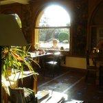 Comedor, con vistas al Canigó