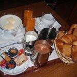 Petit déjeuner à l' AK hotel