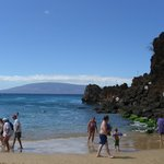 Black Rock near The Whaler - good snorkeling