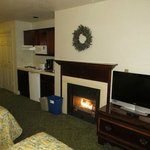 Gas fireplace was nice & easy to use