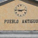 El Reloj a la entrada del Pueblo
