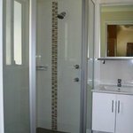 Wentworth Cabin - Bathroom