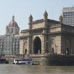 Returning to India Gate