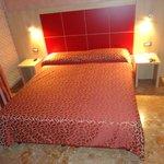 Chambre spacieuse, confortable et calme